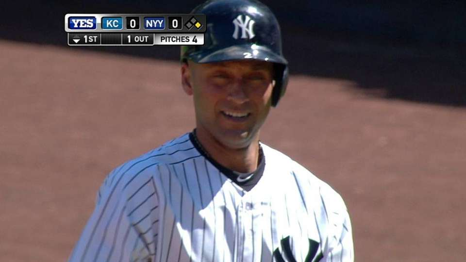 Jeter gets ovation, singles