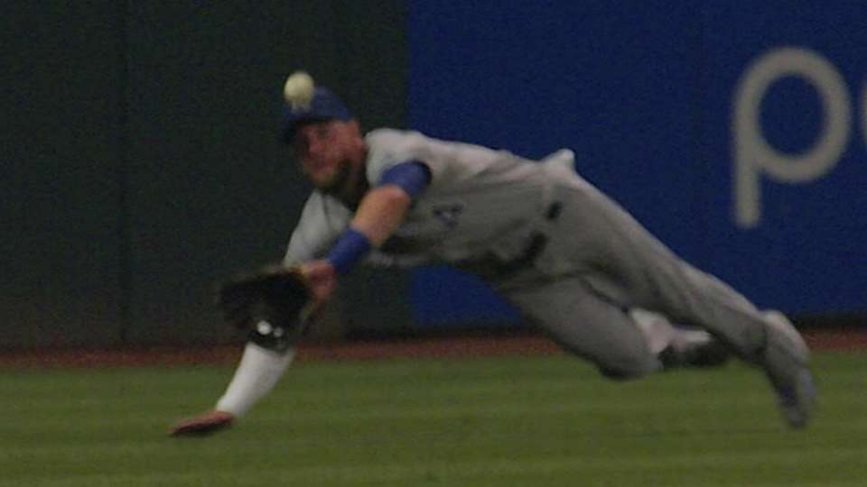 Gordon lays out to make catch