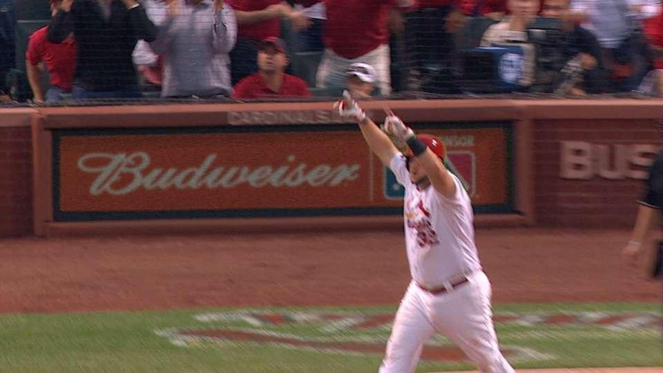 Adams' go-ahead three-run shot