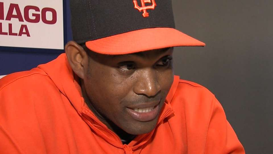 Casilla on Giants bullpen