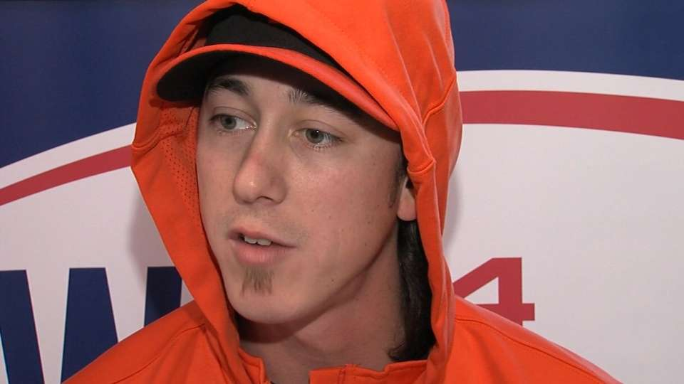 Lincecum on bullpen session