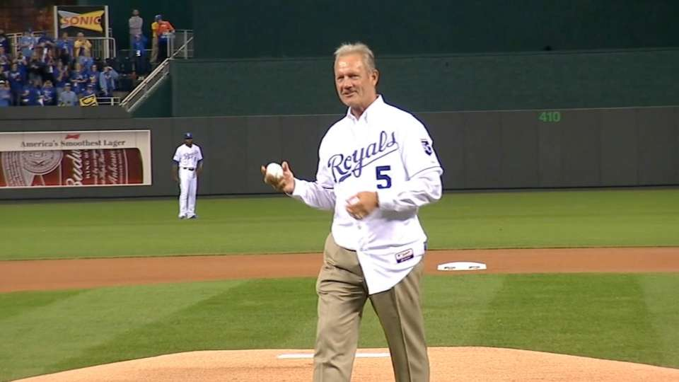 Brett throws out first pitch