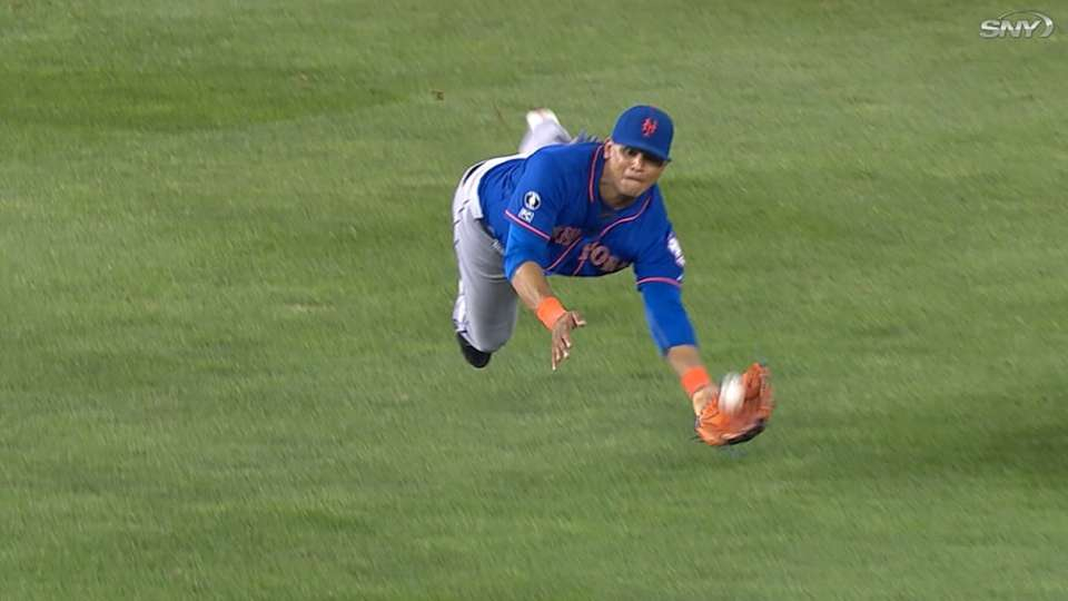 Lagares wins first Gold Glove