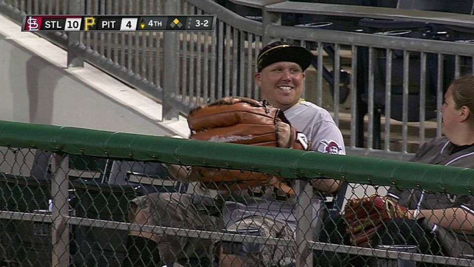Fan's oversized glove pays off