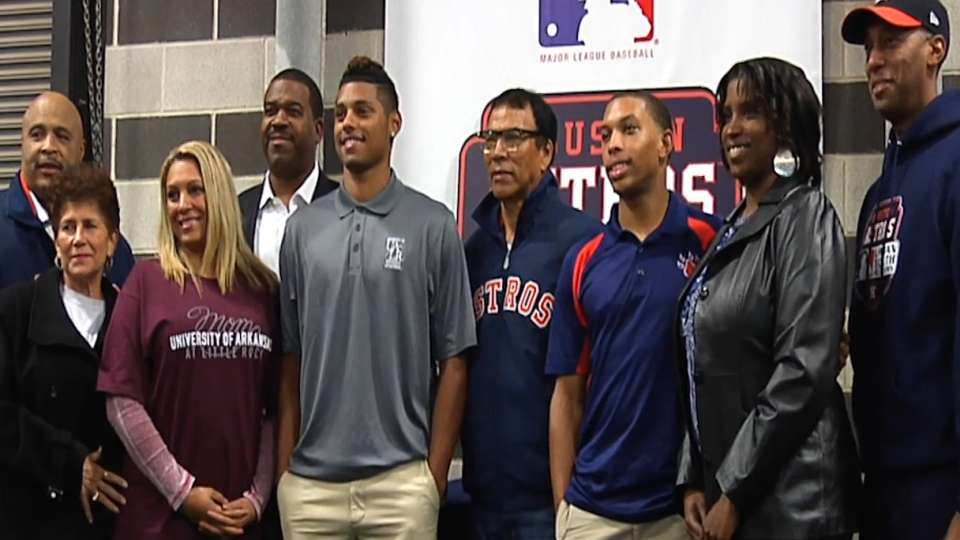 Astros UYA helps pair to college