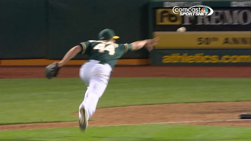 A's foil Rangers squeeze attempt