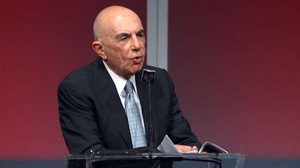 Shapiro gets Humanitarian Award
