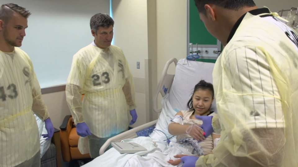 White Sox visit hospital