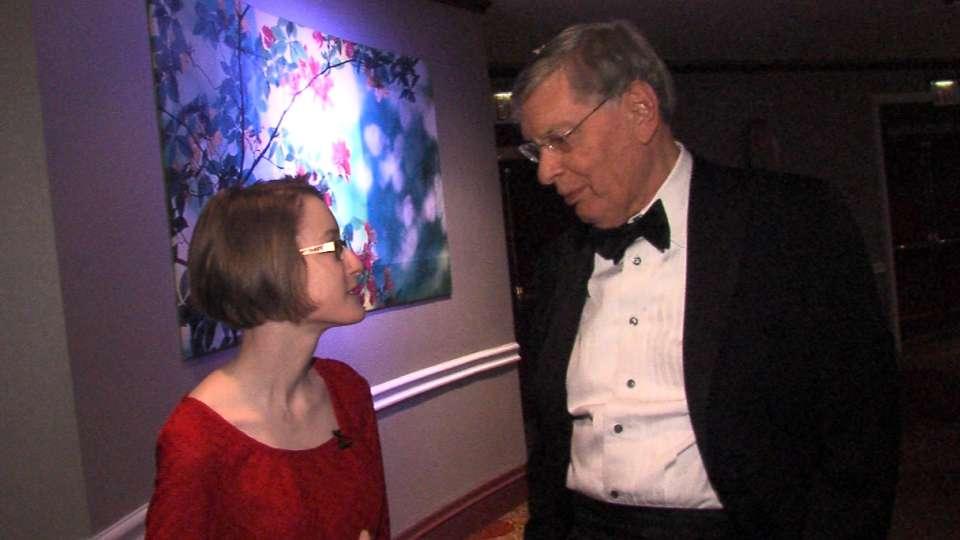 Zahneis talks with Selig