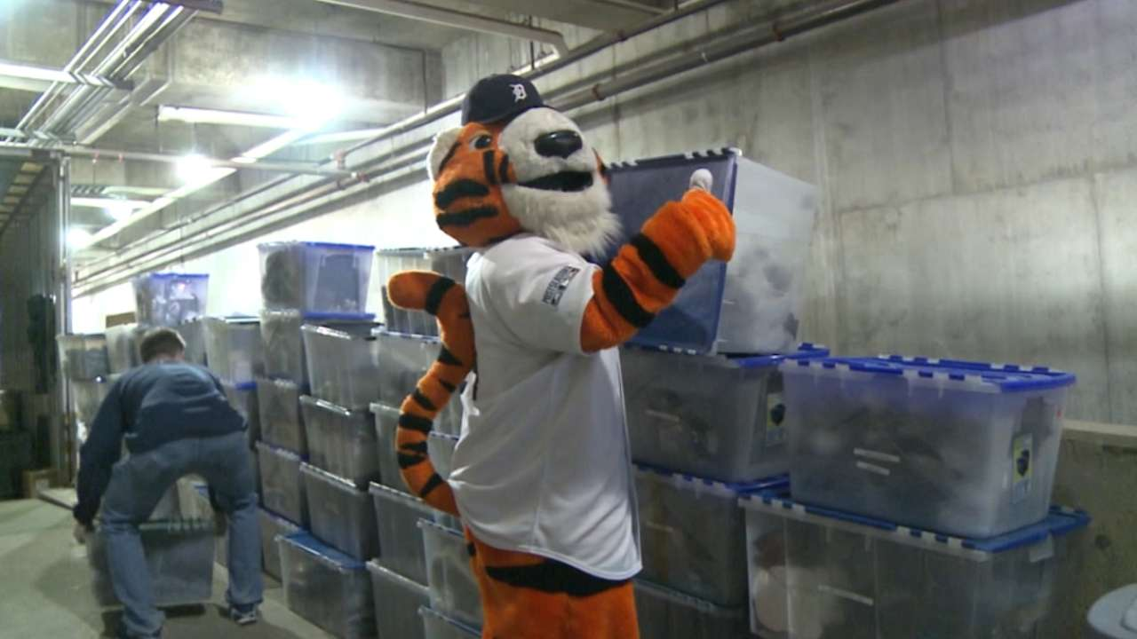 Truck Day a breeze for longtime Tigers clubhouse manager Jim ...