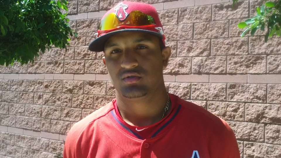 Baldoquin signs with Angels