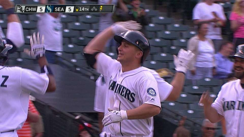 Seager's game-tying slam