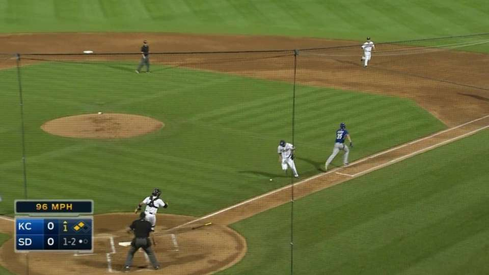 Hosmer's infield RBI single