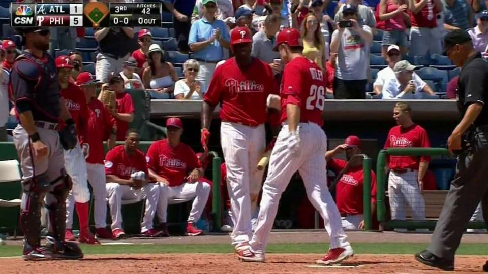 Utley's second homer of the game