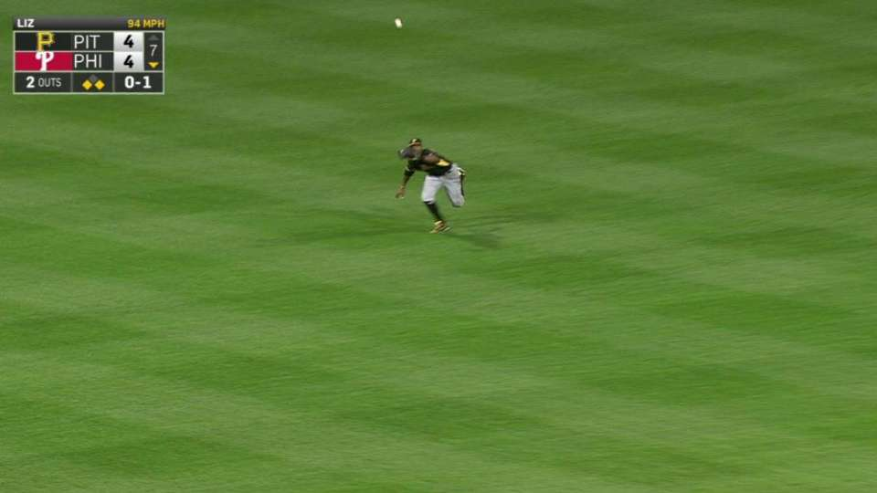 Broxton's great diving catch