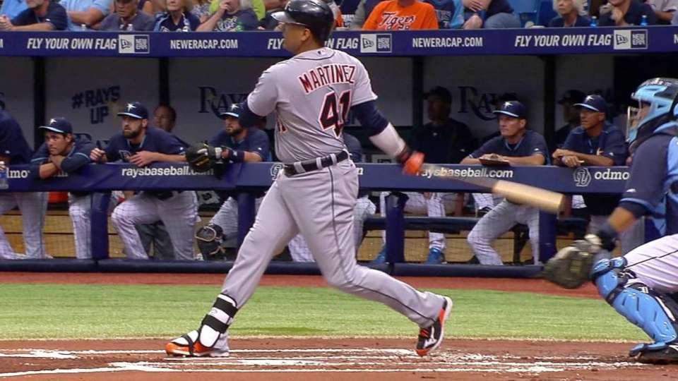 V-Mart's solo home run