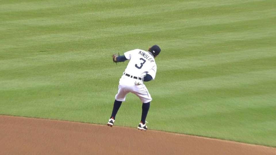 Kinsler's leaping grab