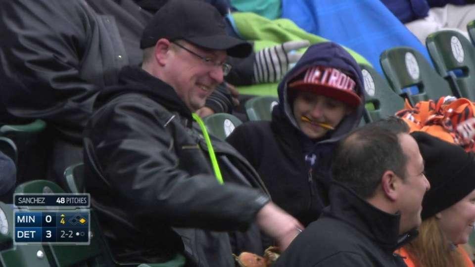 Fan snags Hunter's foul ball