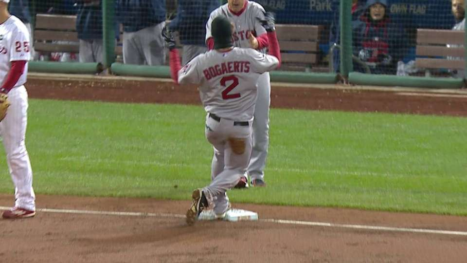 Bogaerts' bases-loaded triple
