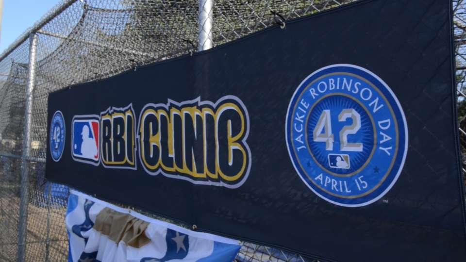 Hatcher, Davis attend RBI clinic