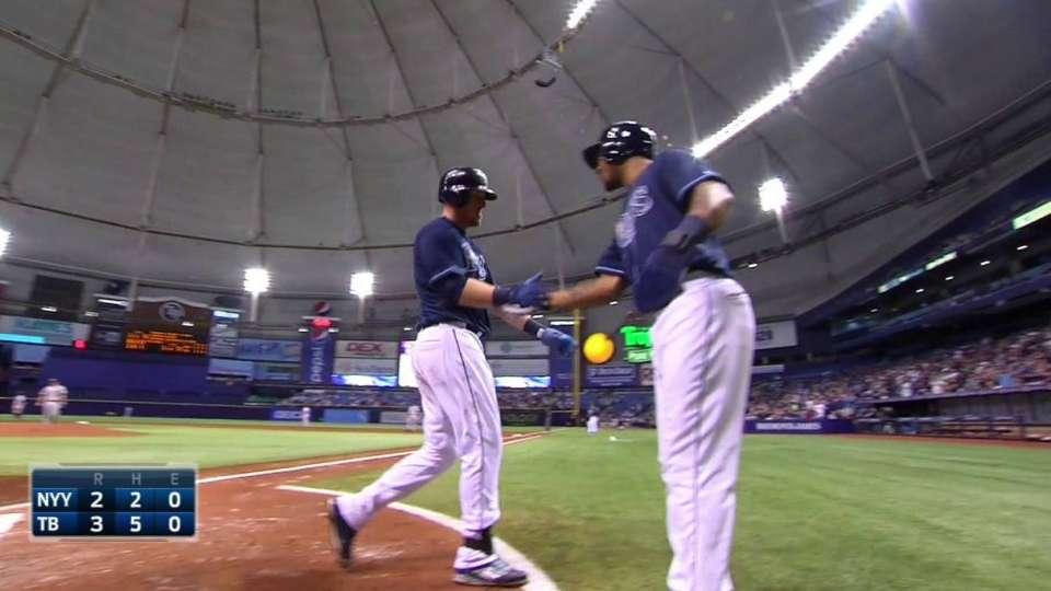 Dykstra's three-run homer