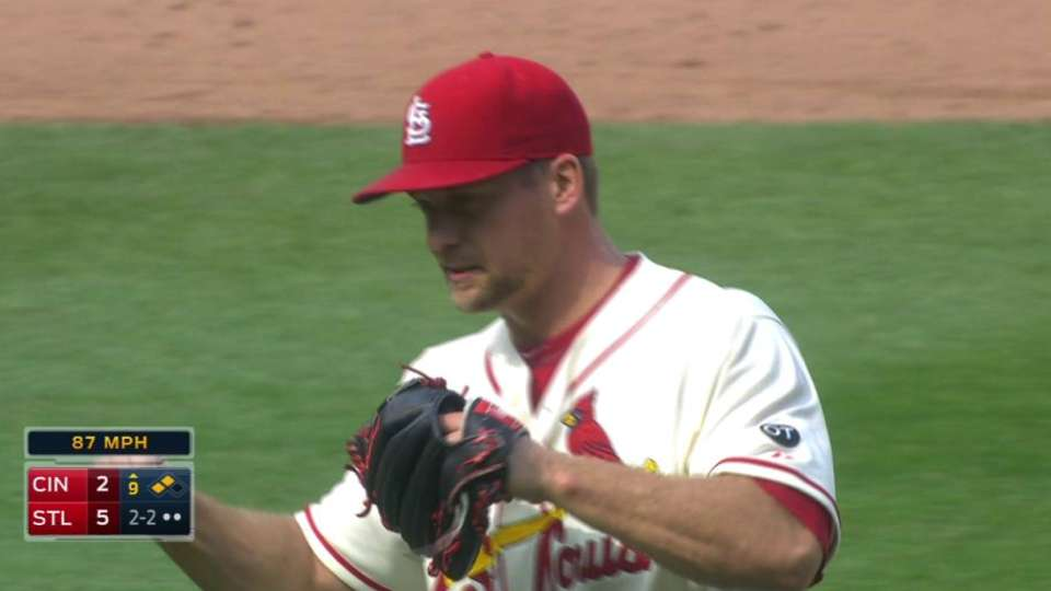 Rosenthal gets the save