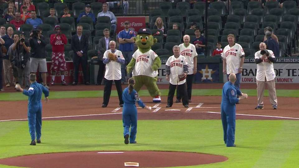 Astronauts throw out first pitch