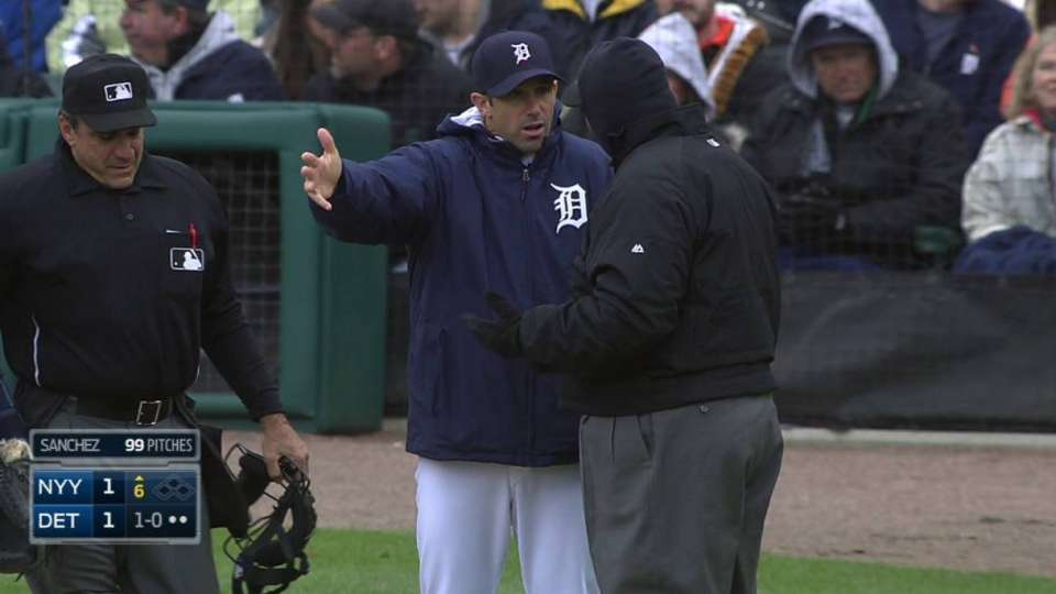 Ausmus gets ejected