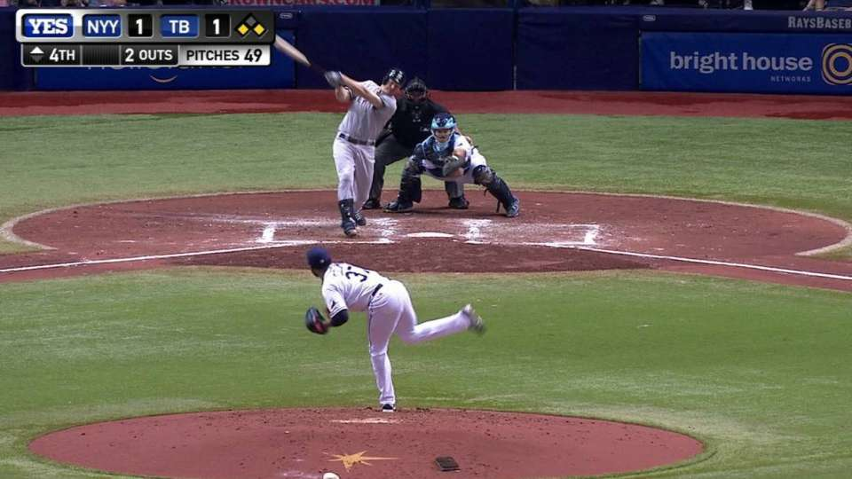 Headley's three-run blast