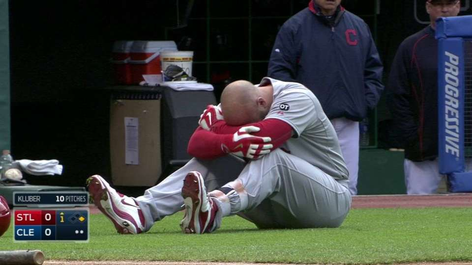 Holliday shaken up, exits in 2nd