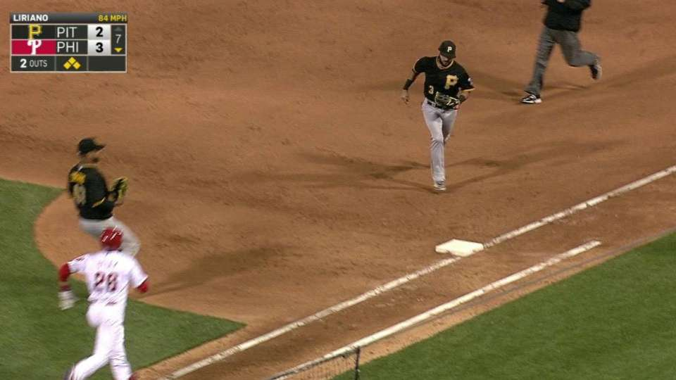 Liriano escapes the jam