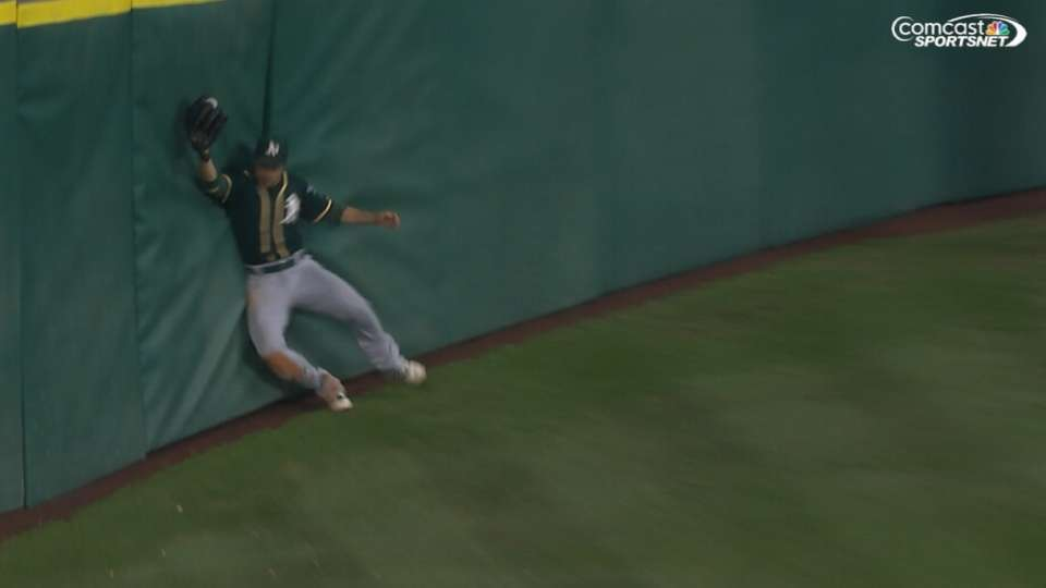 Amazing catches on Tal's Hill