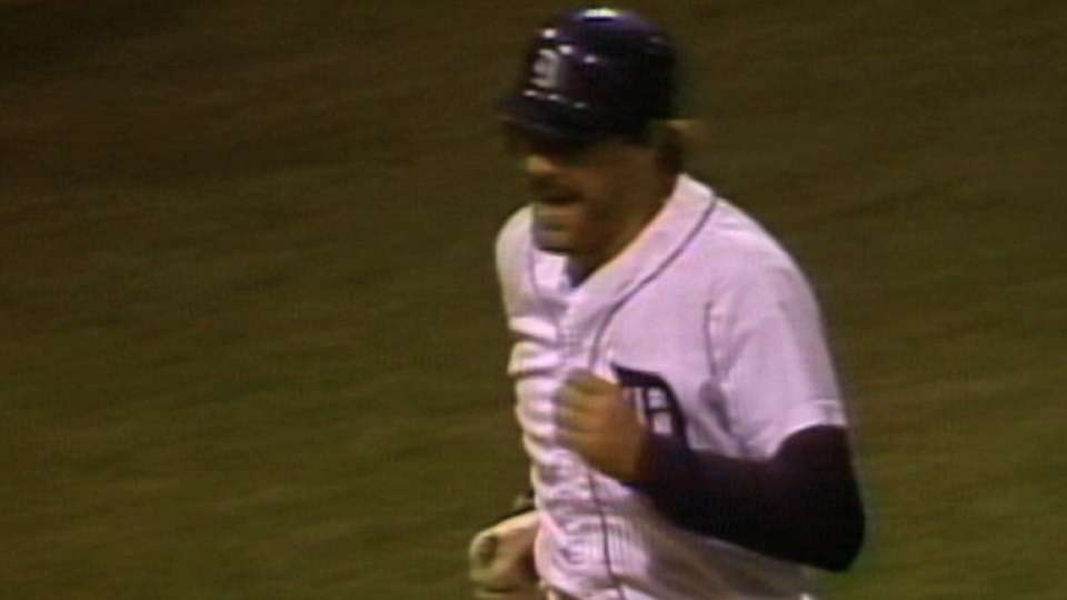 Gibson homers off Gossage