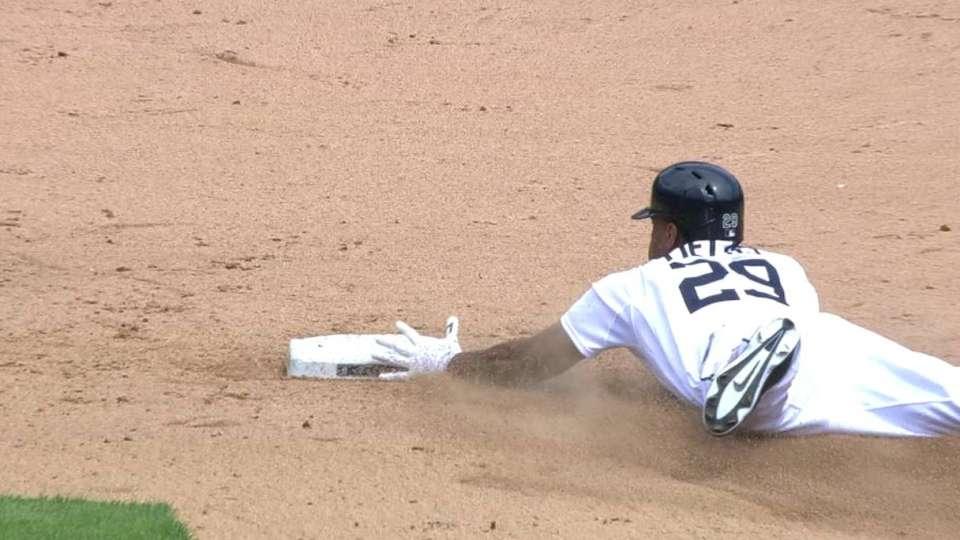 Fields' first Major League hit