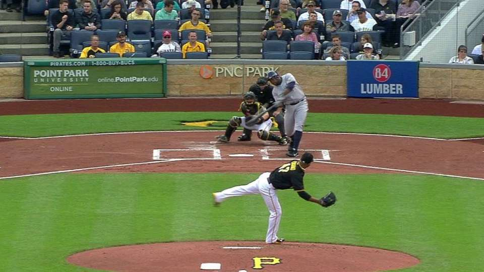 Rogers' solo homer