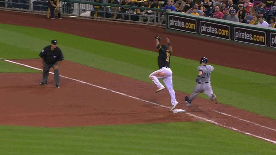 Pirates nab Lucroy at first