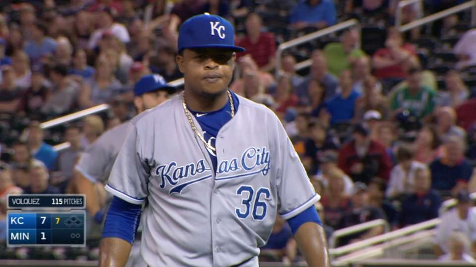 Volquez earns the win