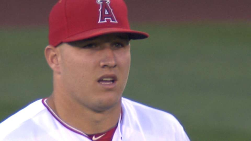 Trout does it all vs. Yankees