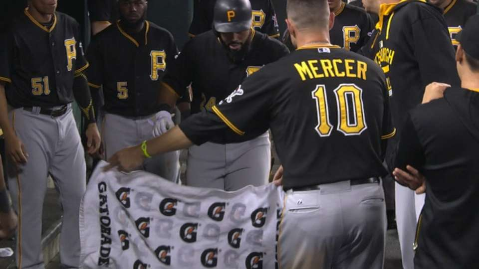 Pirates hit three homers in 8th