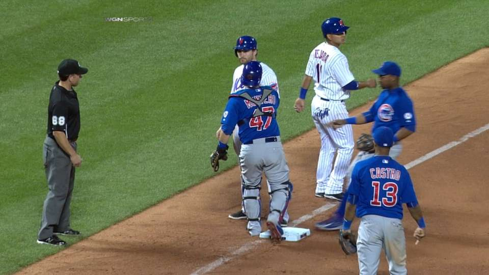 Must C: Cubs capitalize on gaffe