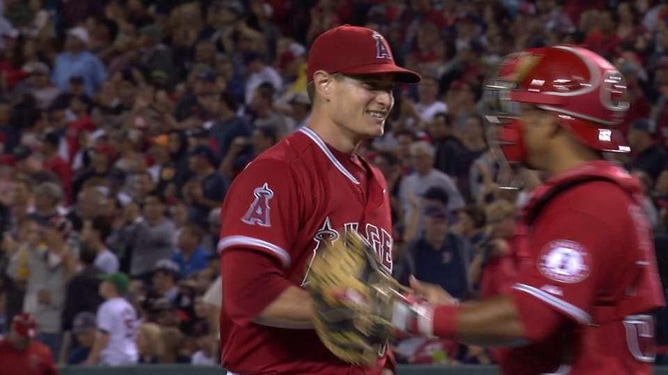Richards tosses two-hit shutout