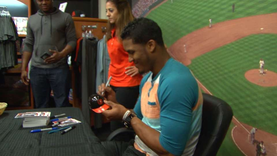 Paredes meets with fans