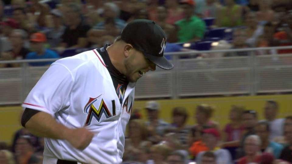Fernandez gets bases-loaded DP