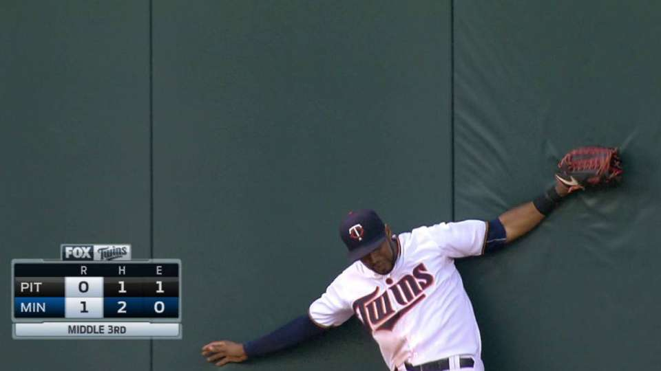 Hicks' leaping catch