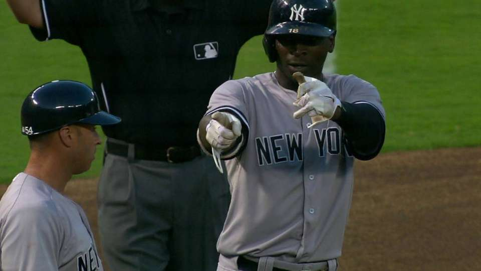 Gregorius' bases-clearing triple