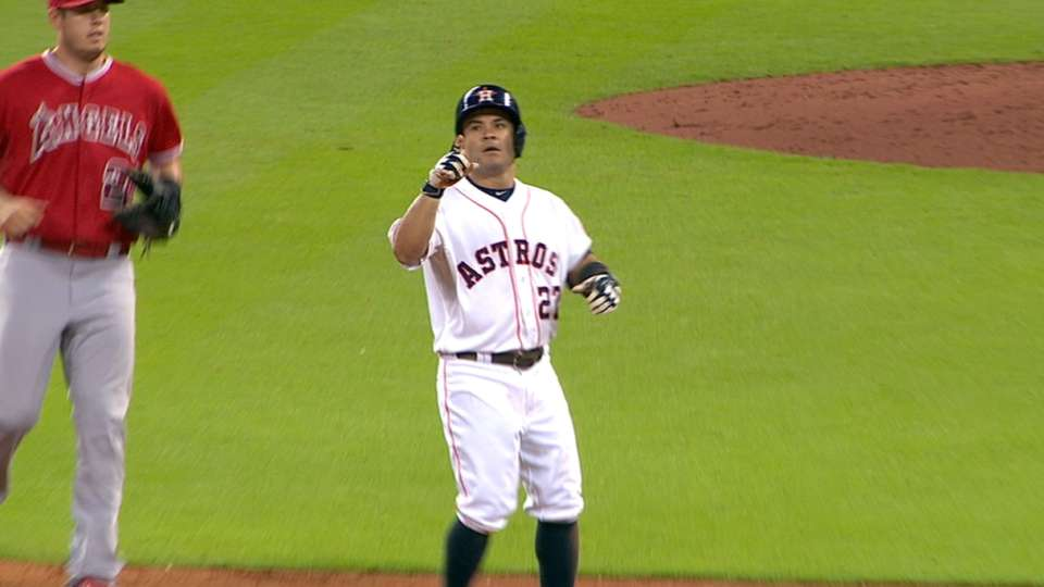 Altuve's three-hits, five-RBIs