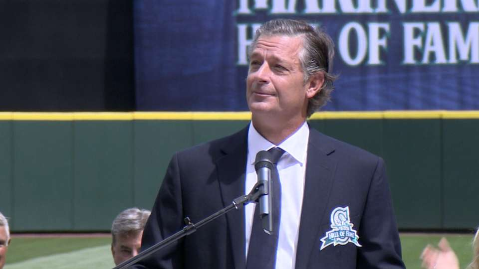 Moyer inducted into Mariners HOF
