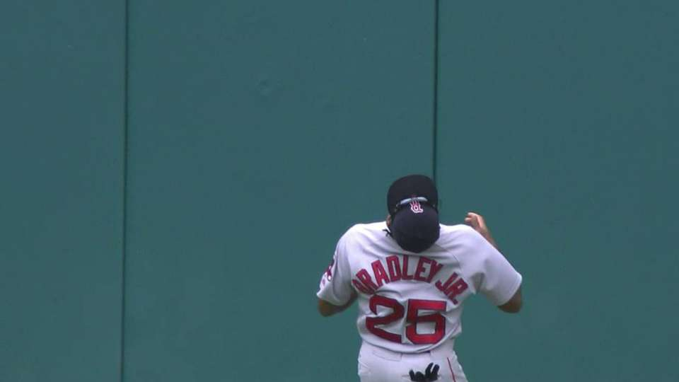 Bradley Jr.'s amazing catch
