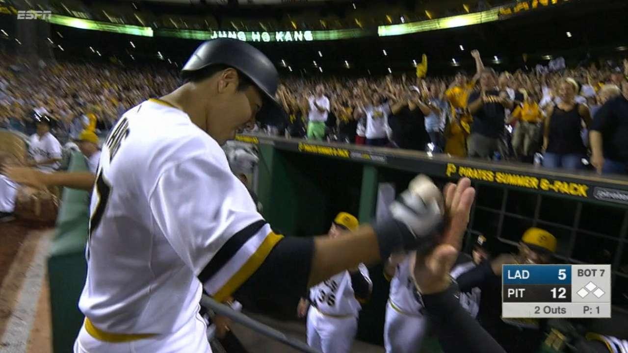 Pirates sweep Dodgers thanks to nine-run seventh inning | MLB com