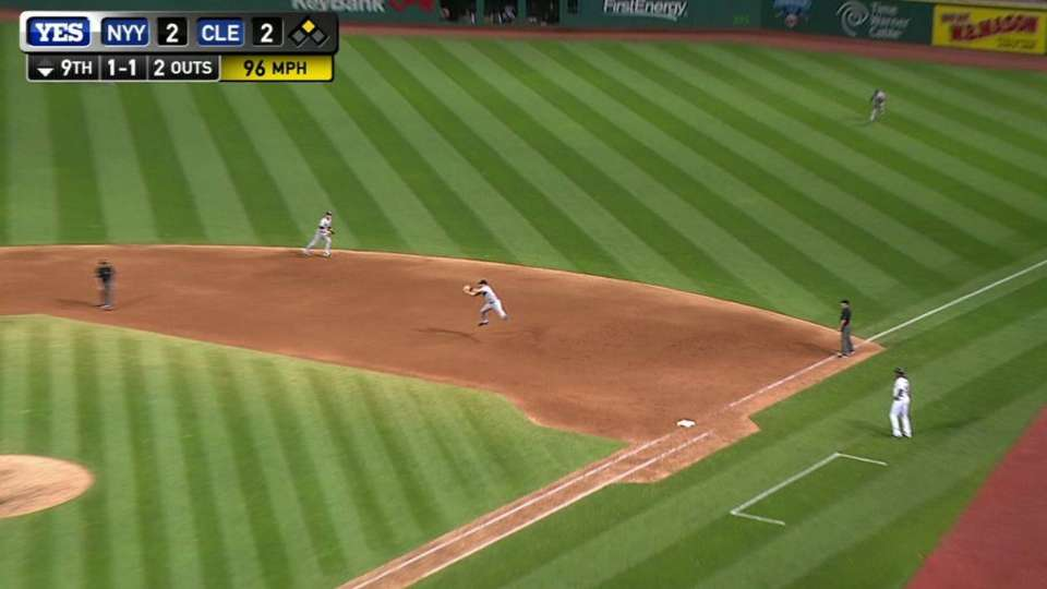 Teixeira's leaping catch